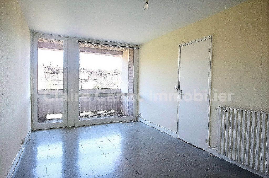 Appartement à louer 4 70.68m2 à Castres vignette-2