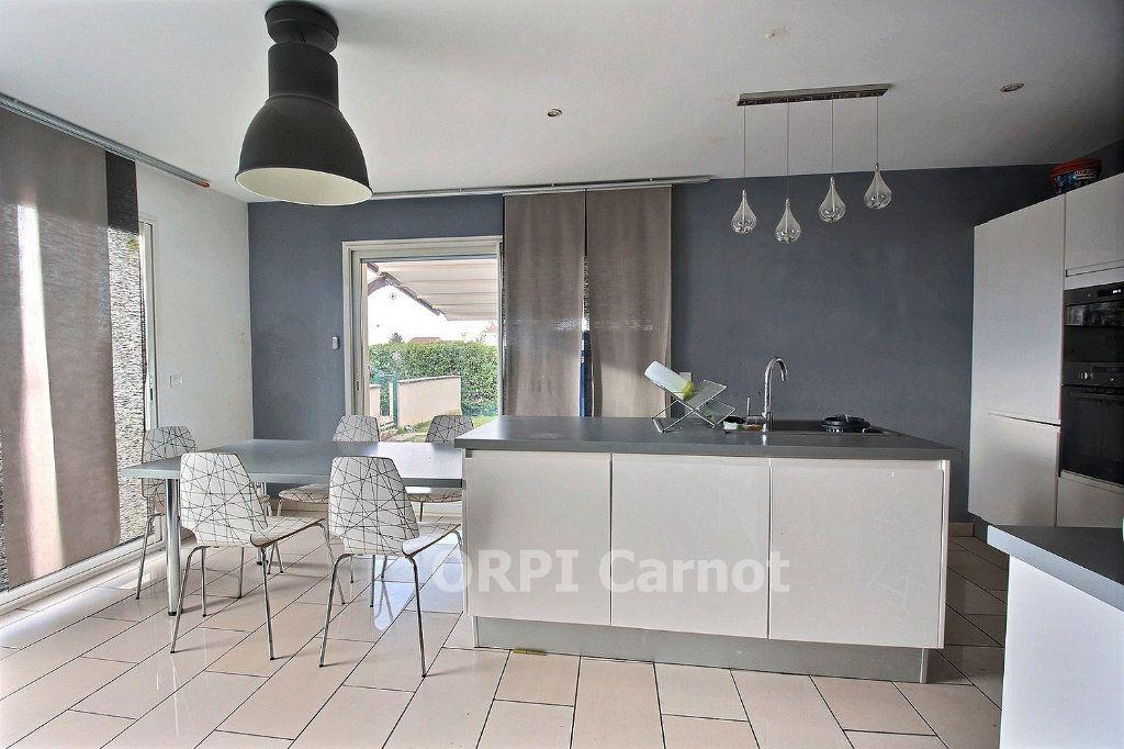 Maison à vendre 7 146.86m2 à Puylaurens vignette-4