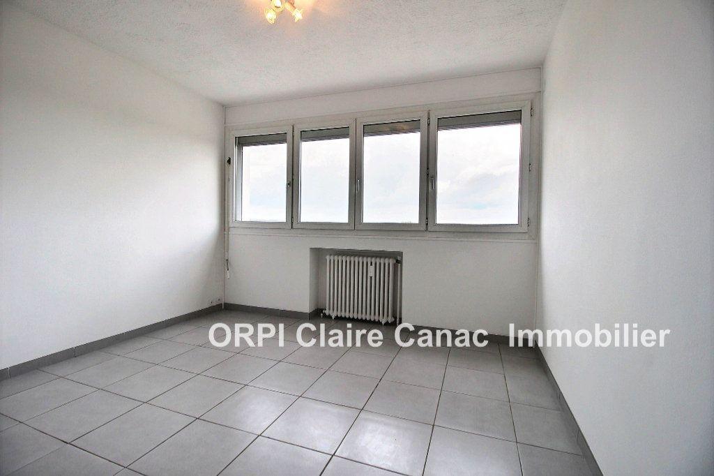 Appartement à louer 1 24m2 à Lavaur vignette-1