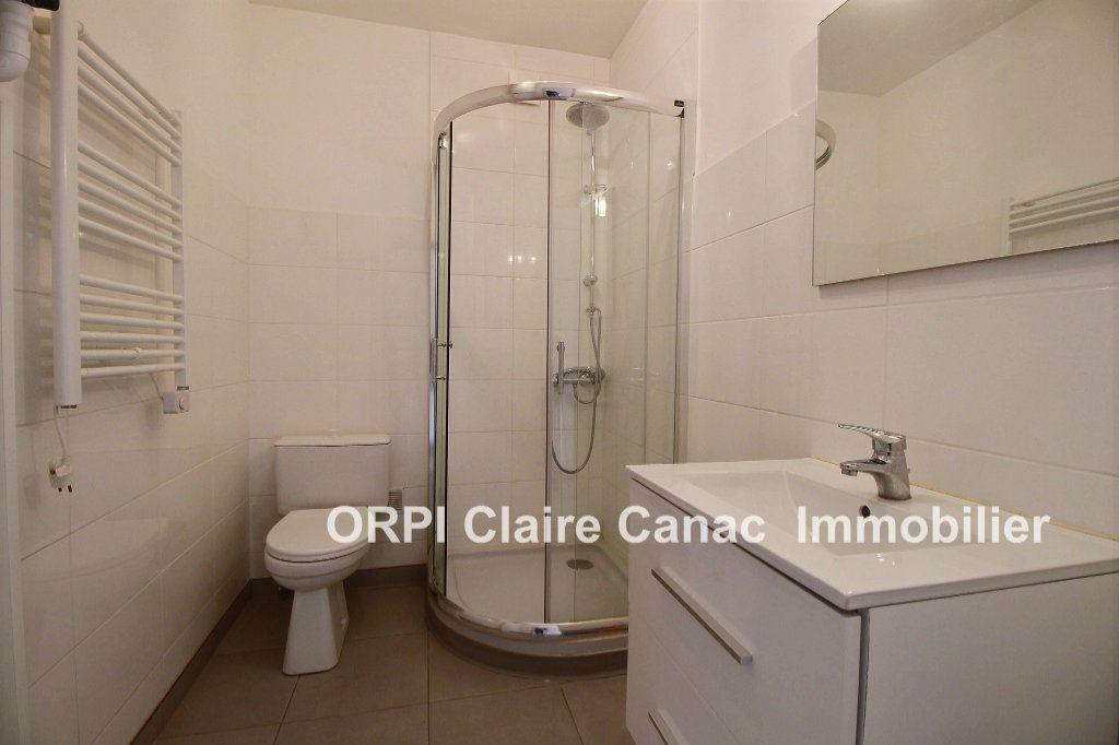 Appartement à louer 1 24m2 à Lavaur vignette-3
