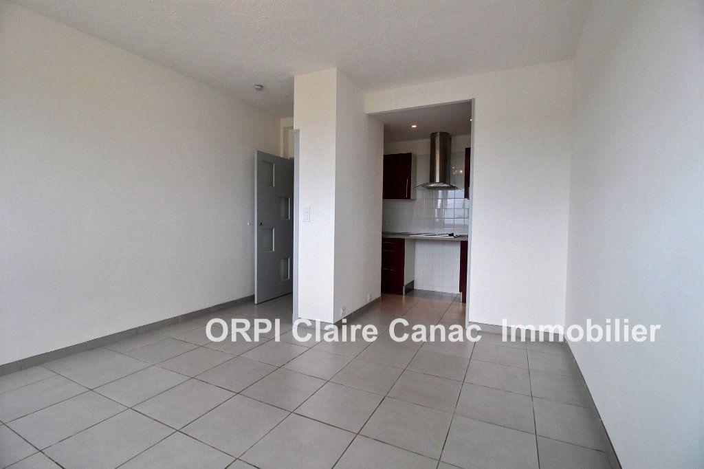 Appartement à louer 1 24m2 à Lavaur vignette-4