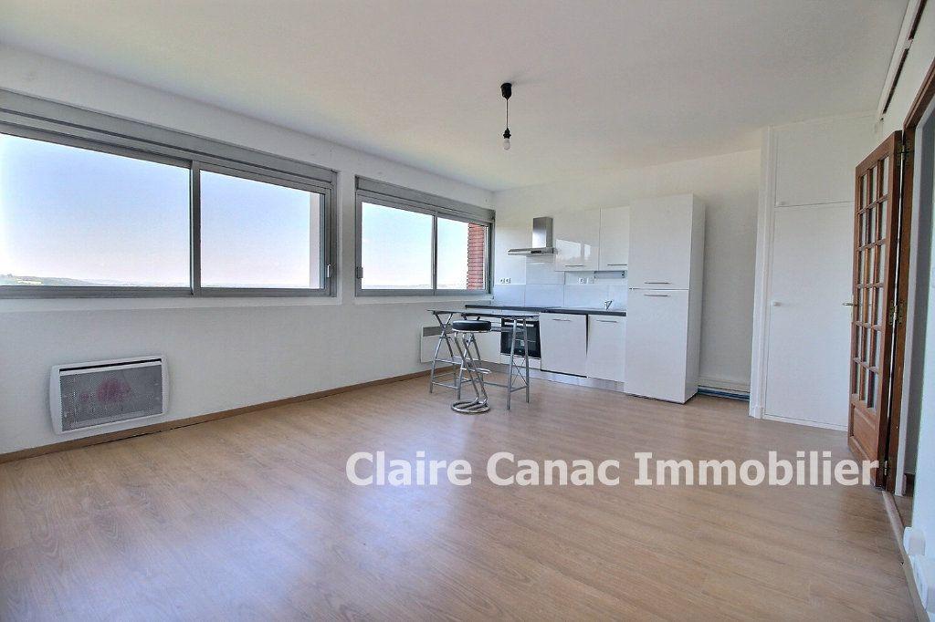Appartement à vendre 3 60m2 à Lavaur vignette-1