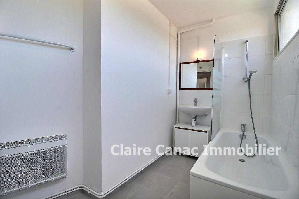Appartement à vendre 3 60m2 à Lavaur vignette-2