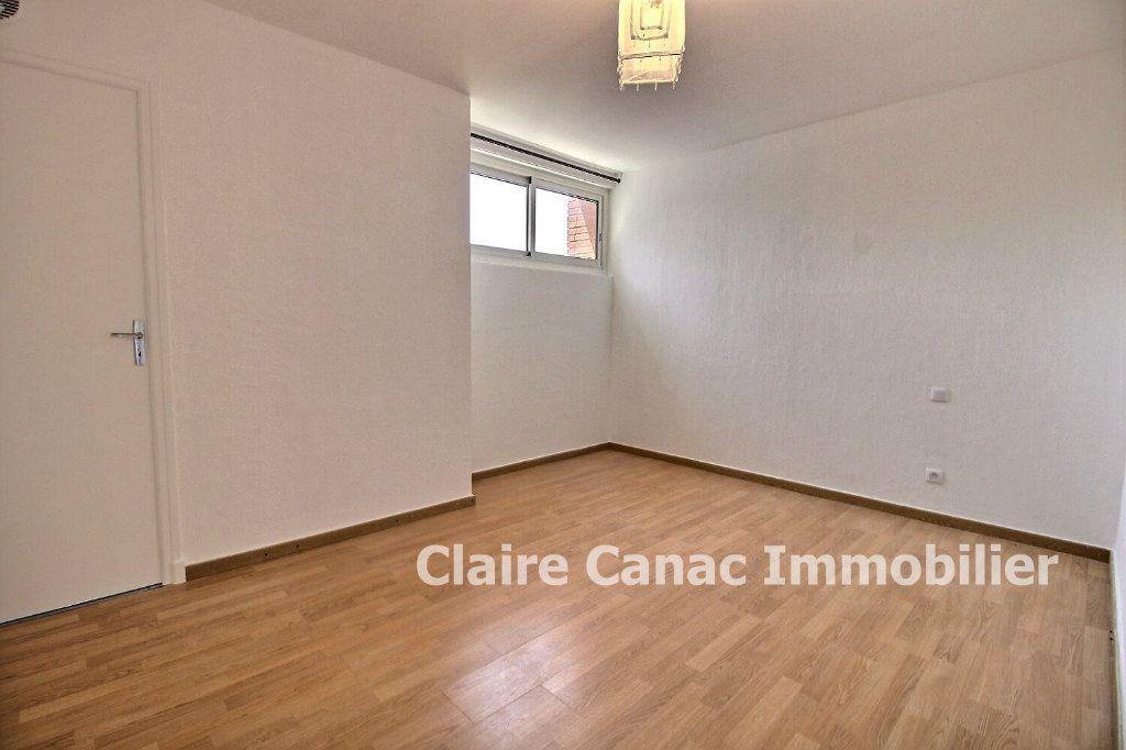 Appartement à vendre 3 60m2 à Lavaur vignette-3