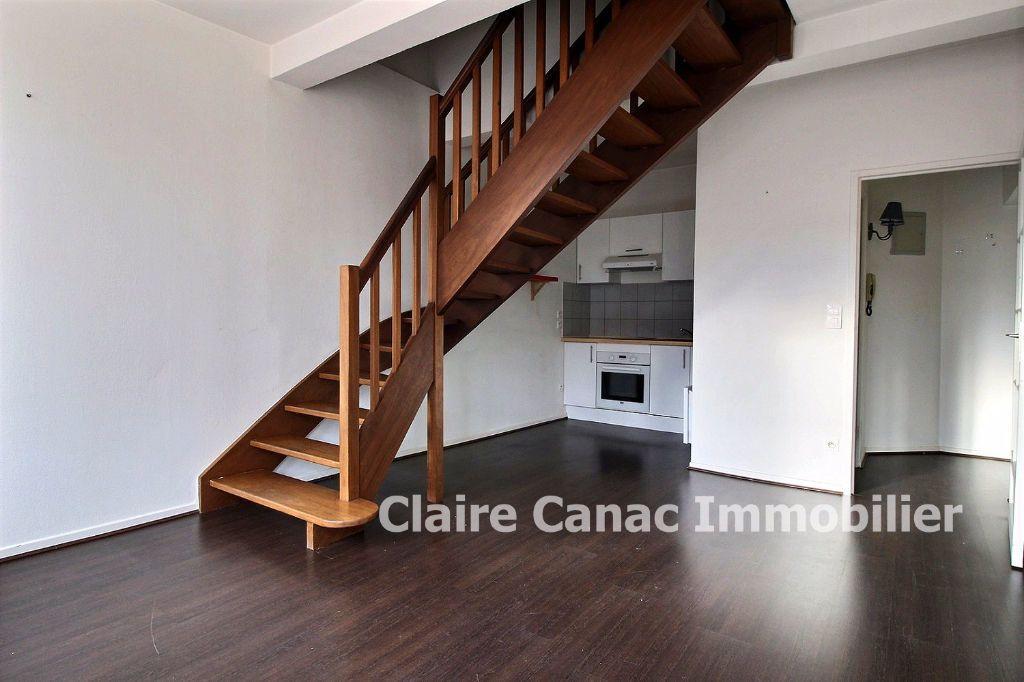 Appartement à louer 2 45m2 à Lavaur vignette-1