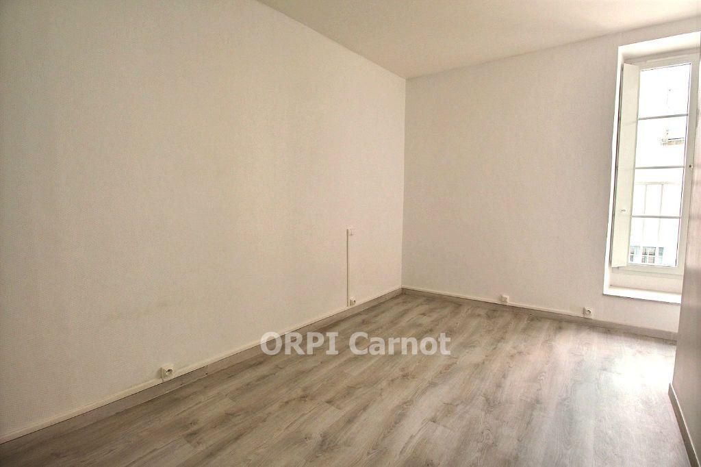 Appartement à louer 3 62.87m2 à Castres vignette-4