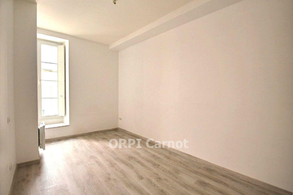 Appartement à louer 3 62.87m2 à Castres vignette-6