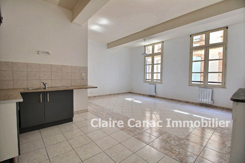 Appartement à louer 3 65m2 à Lavaur vignette-1