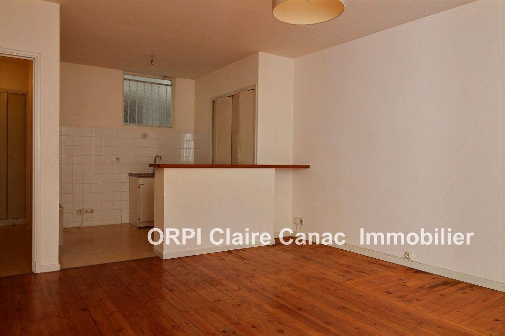 Appartement à louer 2 55m2 à Lavaur vignette-1