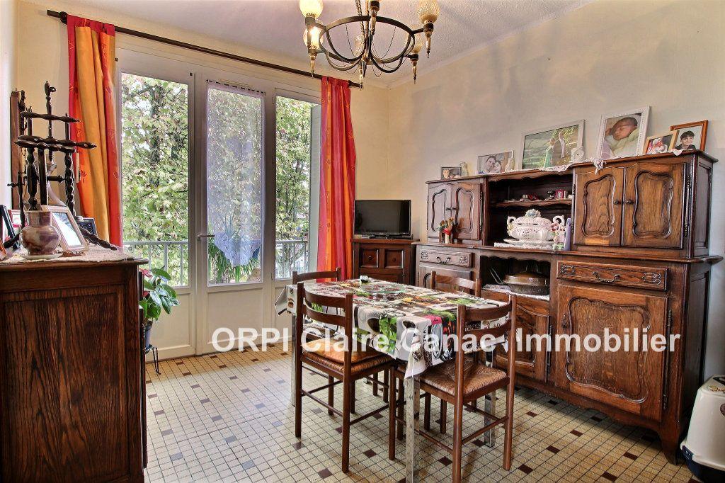 Appartement à louer 3 60m2 à Lavaur vignette-1