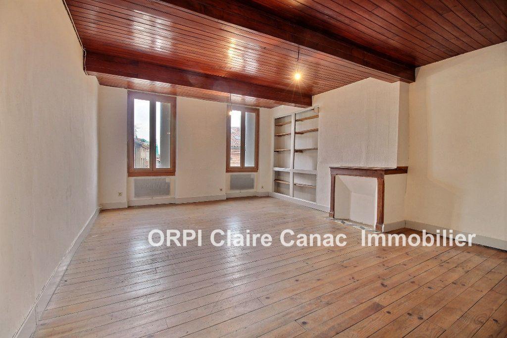 Appartement à louer 2 66m2 à Lavaur vignette-1