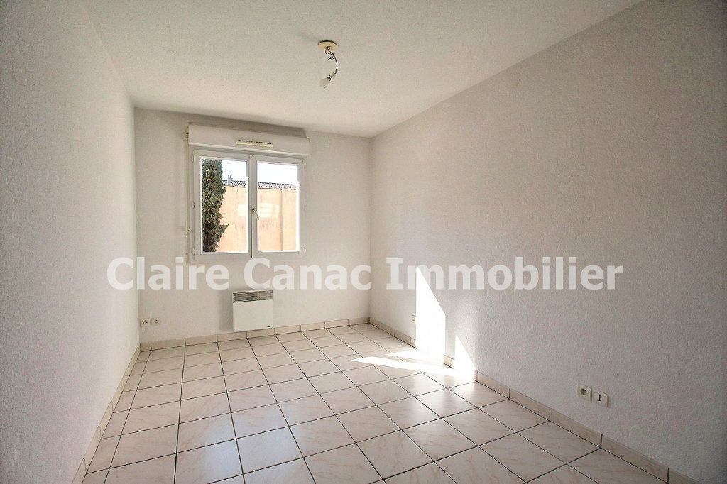 Appartement à louer 3 61.8m2 à Castres vignette-5