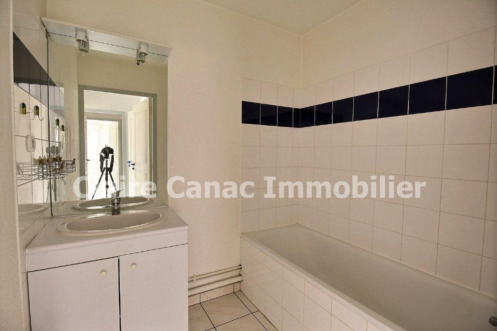 Appartement à louer 3 61.8m2 à Castres vignette-6