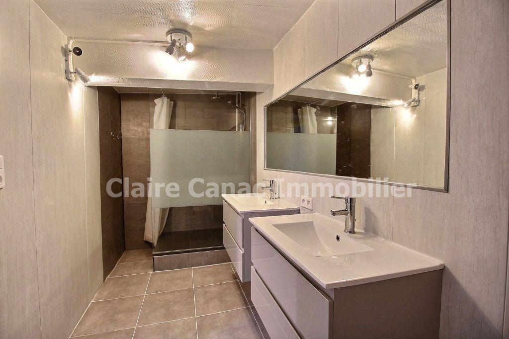 Appartement à louer 3 81.9m2 à Castres vignette-3