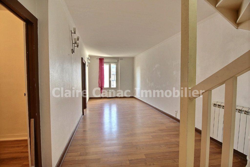 Appartement à louer 3 81.9m2 à Castres vignette-6