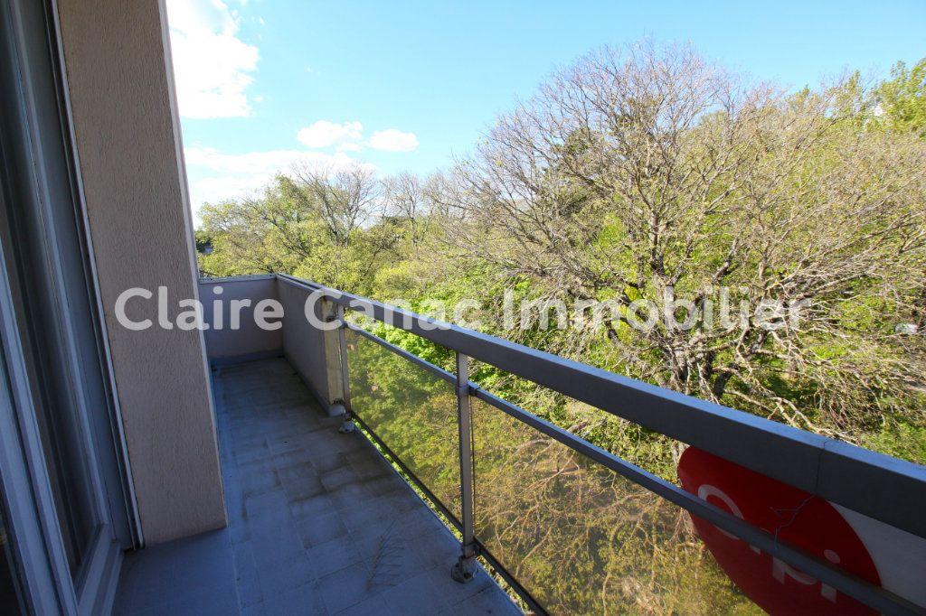Appartement à louer 4 109.21m2 à Castres vignette-3