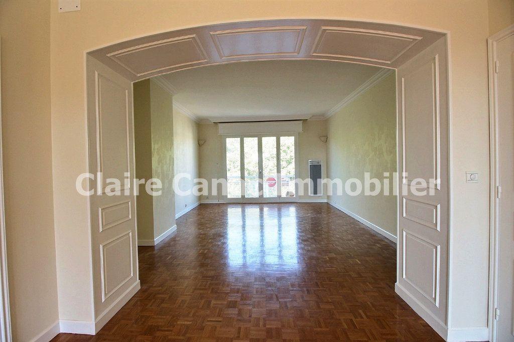 Appartement à louer 4 109.21m2 à Castres vignette-4