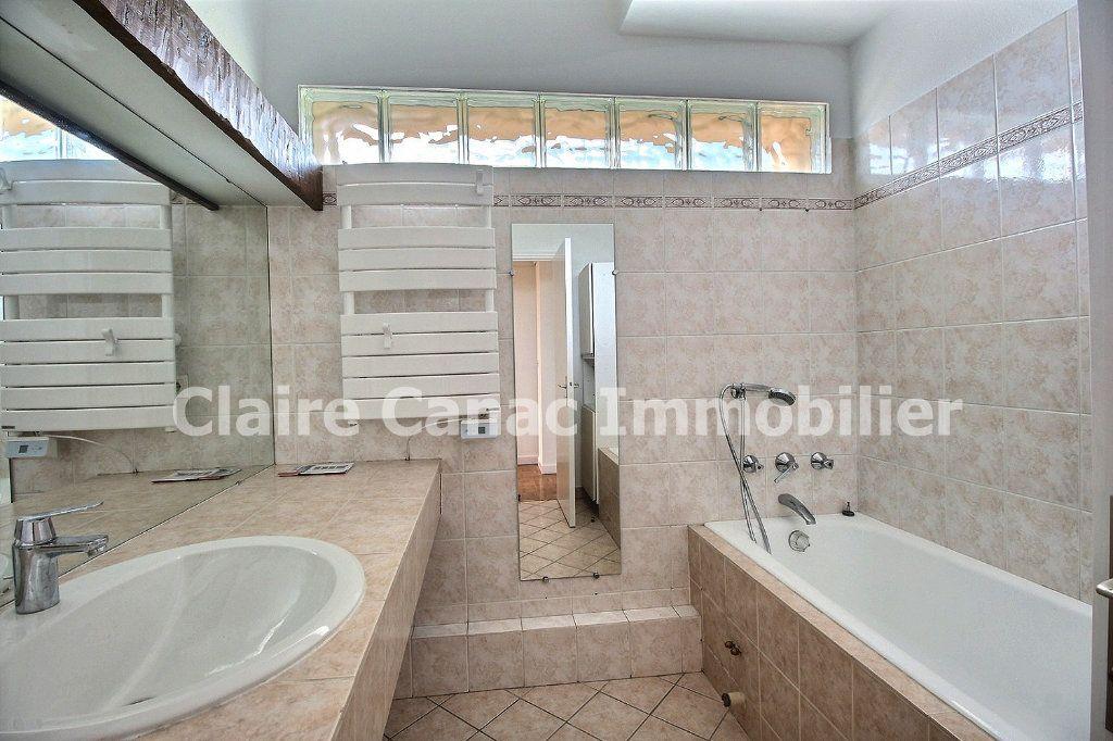 Appartement à louer 4 109.21m2 à Castres vignette-8