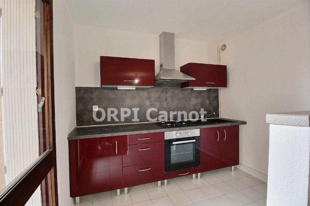 Appartement à louer 1 33.1m2 à Castres vignette-1