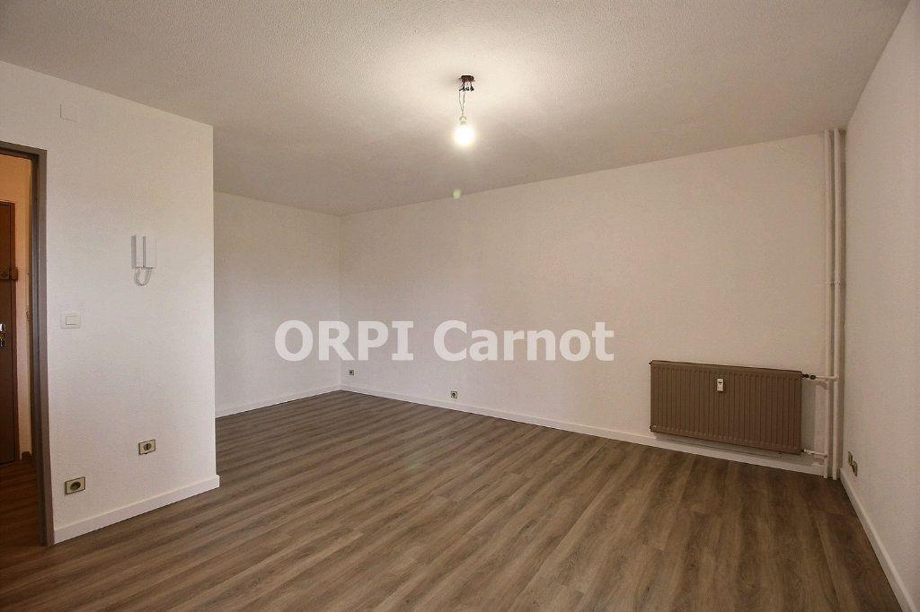 Appartement à louer 1 33.1m2 à Castres vignette-2