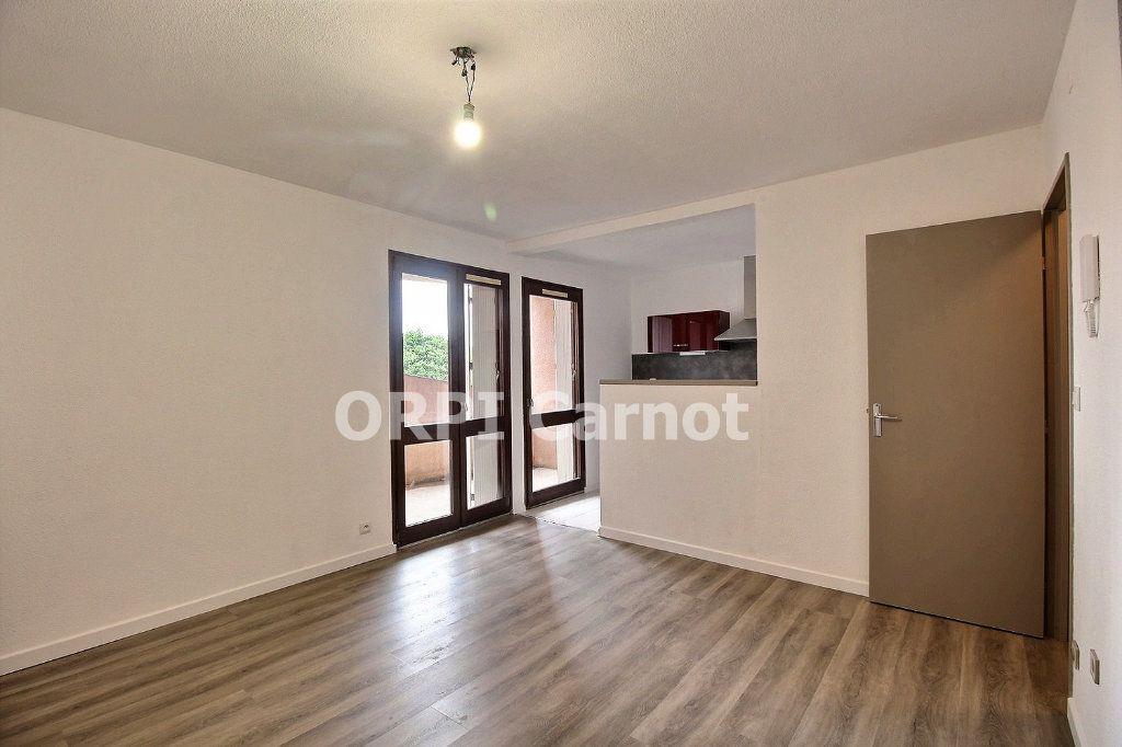 Appartement à louer 1 33.1m2 à Castres vignette-3