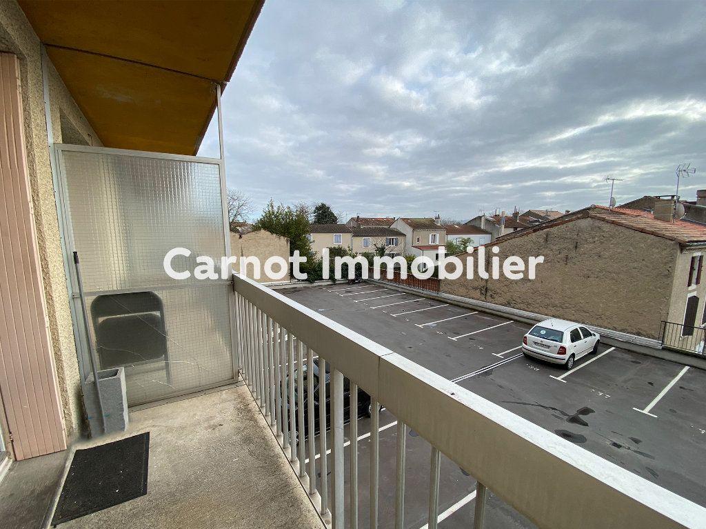 Appartement à louer 1 18.4m2 à Castres vignette-2