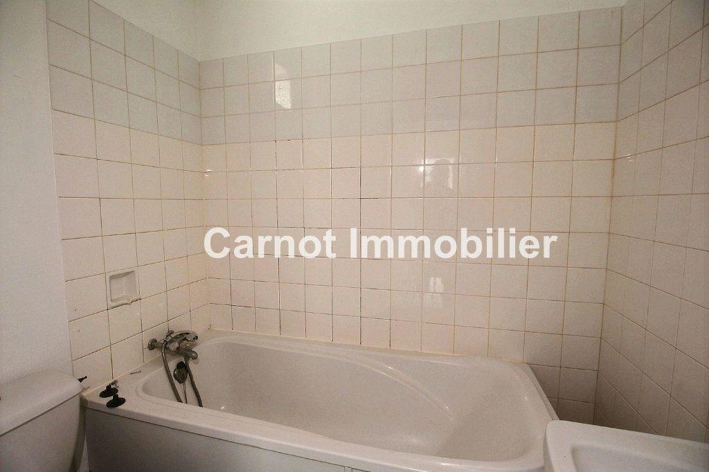 Appartement à louer 3 65.31m2 à Castres vignette-5