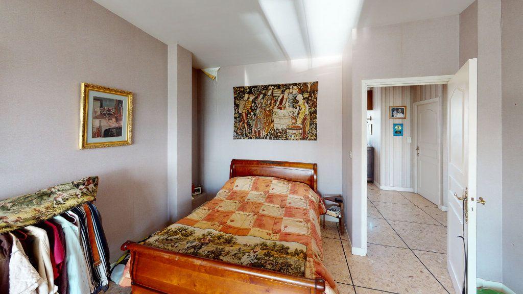 Appartement à vendre 4 209m2 à Lavaur vignette-5