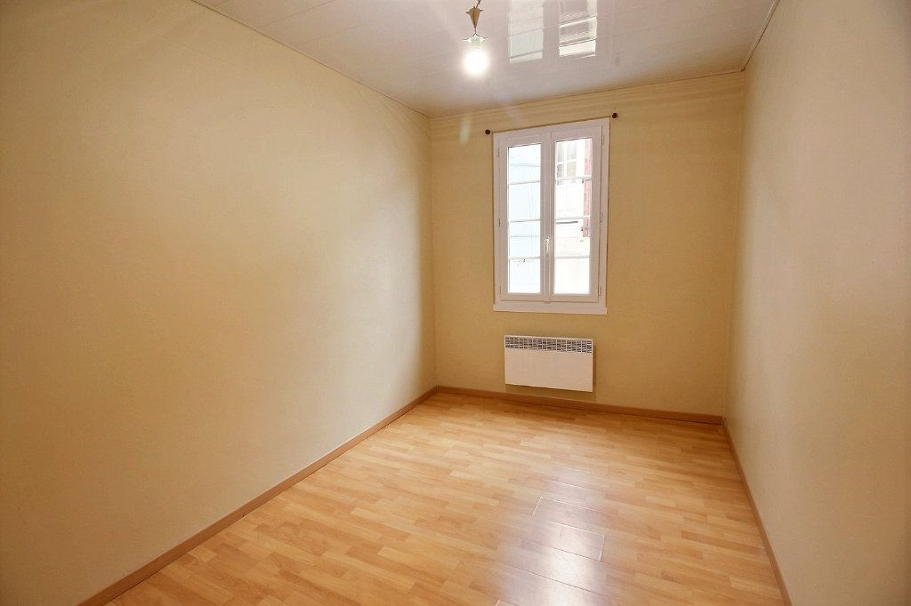 Appartement à louer 3 63.2m2 à Castres vignette-7