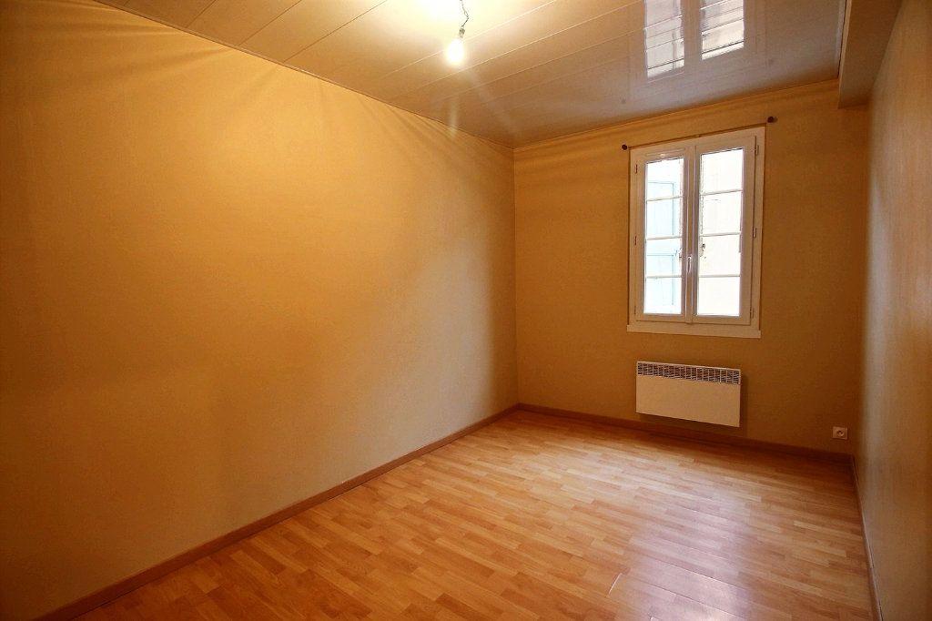 Appartement à louer 3 63.2m2 à Castres vignette-9