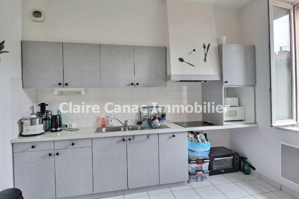 Appartement à louer 2 75m2 à Castres vignette-3