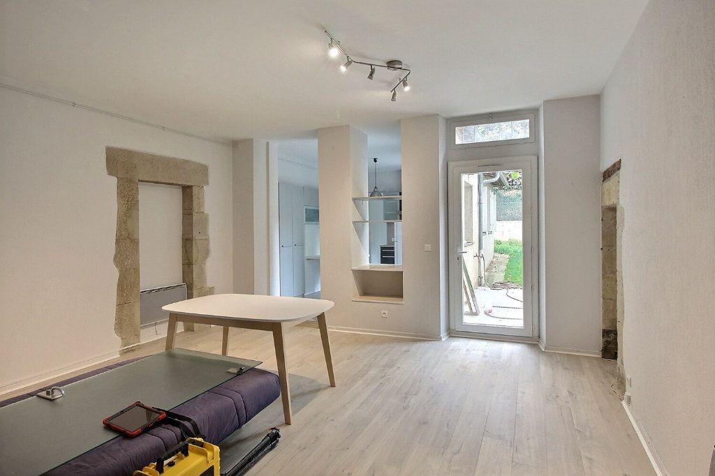 Appartement à louer 3 82m2 à Castres vignette-3