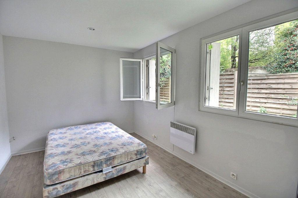 Appartement à louer 3 82m2 à Castres vignette-5