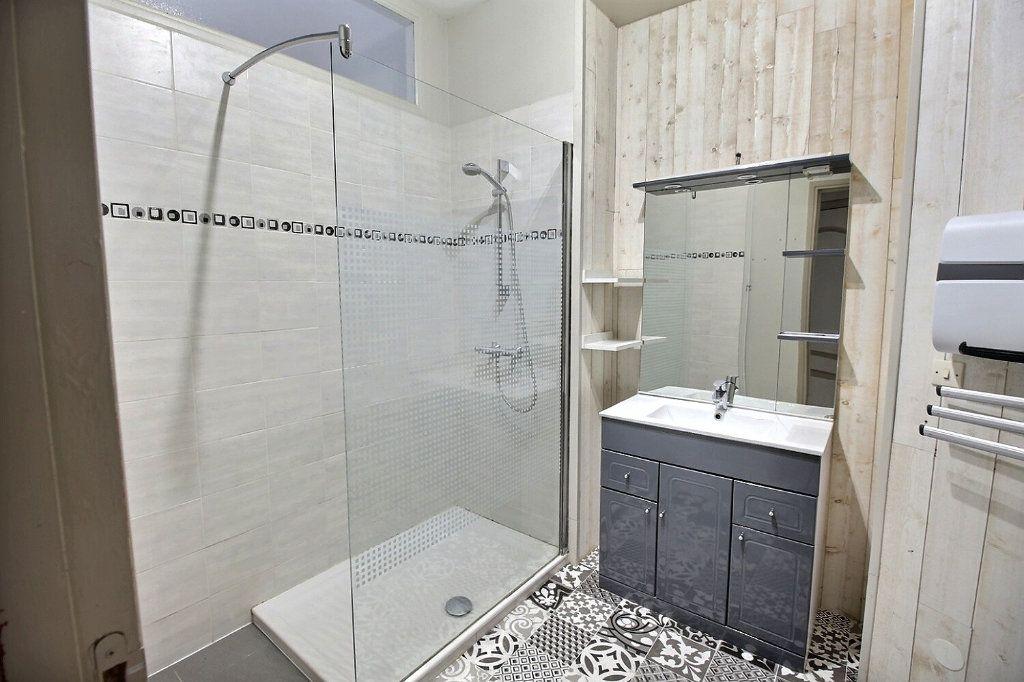 Appartement à louer 3 82m2 à Castres vignette-6