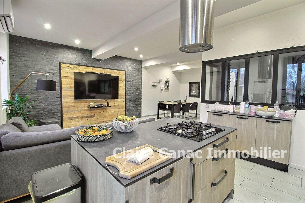 Appartement à vendre 4 87m2 à Montaigut-sur-Save vignette-1
