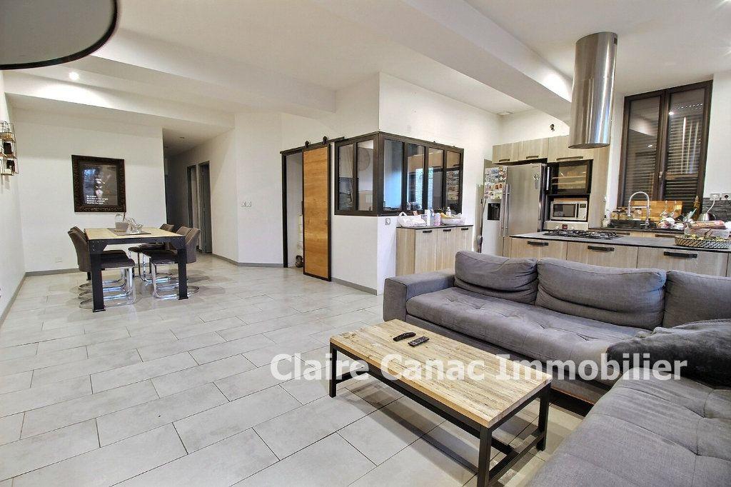 Appartement à vendre 4 87m2 à Montaigut-sur-Save vignette-6