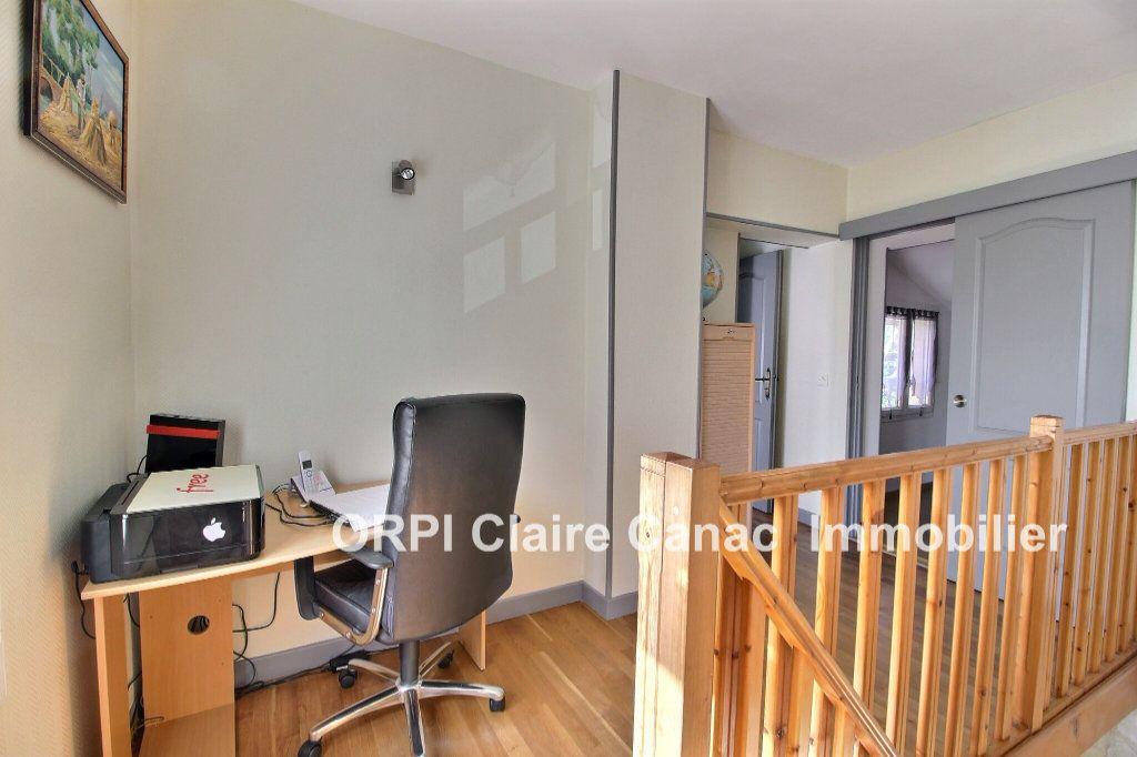 Maison à vendre 6 112m2 à Saint-Sulpice-la-Pointe vignette-4