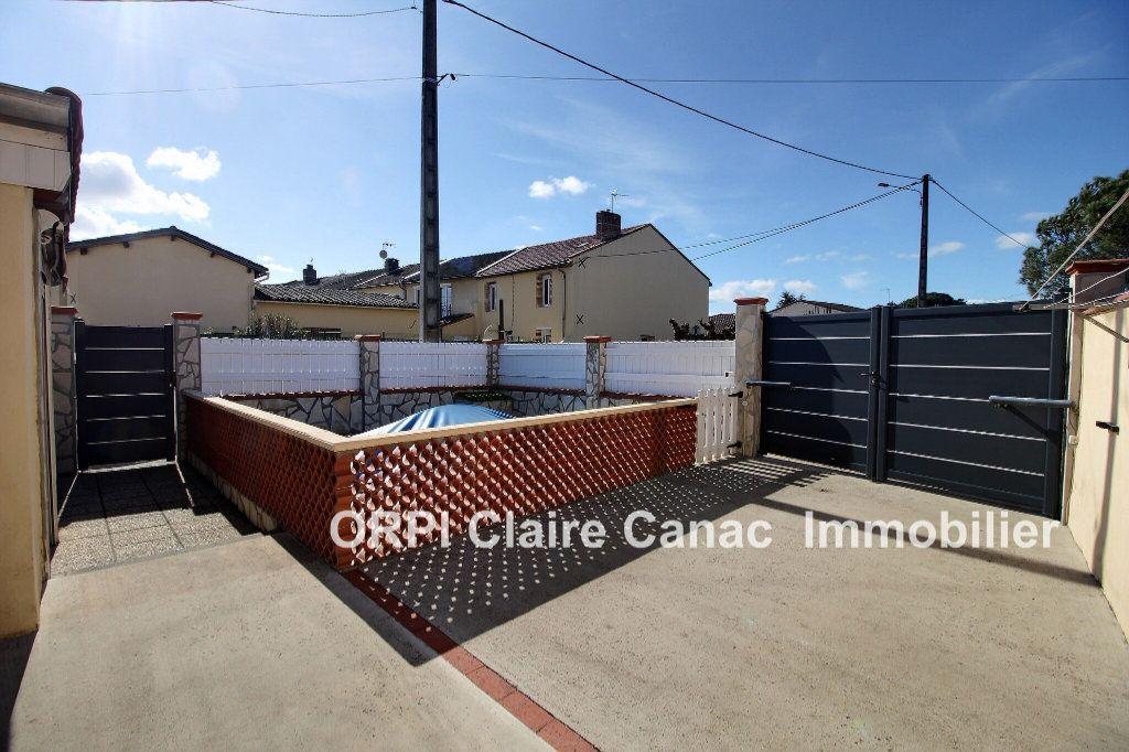 Maison à vendre 6 112m2 à Saint-Sulpice-la-Pointe vignette-12