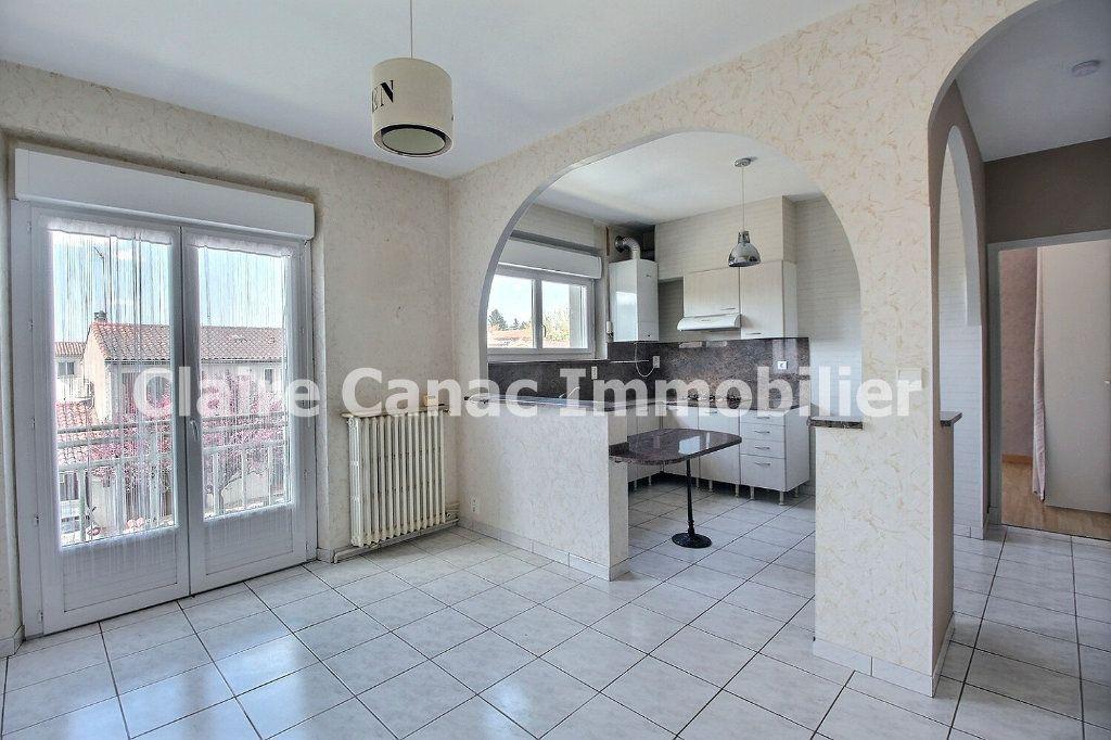Appartement à louer 3 53.42m2 à Castres vignette-2