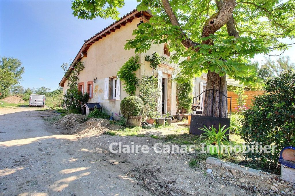 Maison à louer 3 75m2 à Lavaur vignette-3