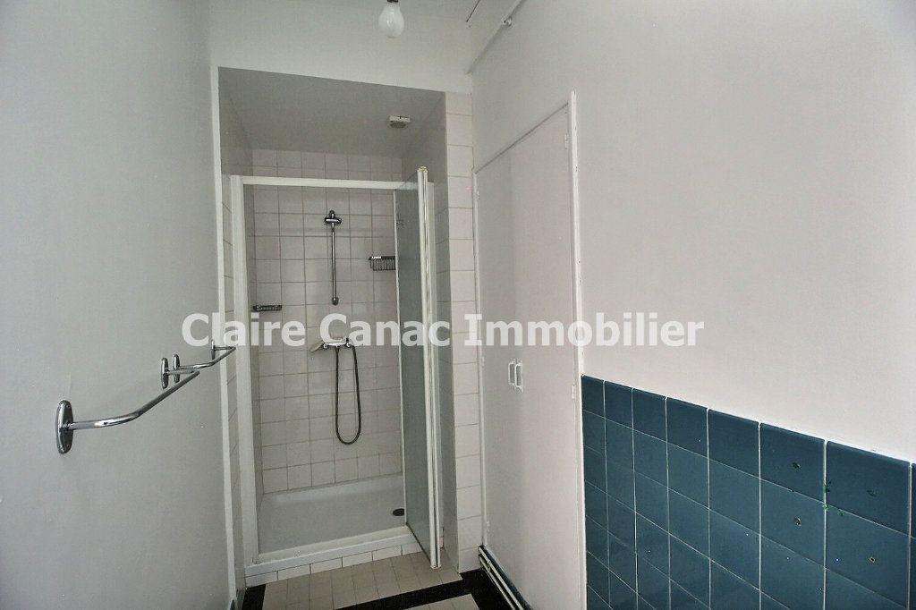 Appartement à louer 4 132.21m2 à Castres vignette-7