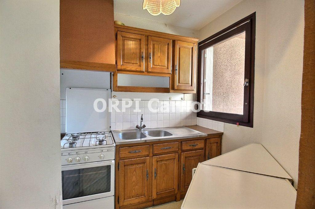 Appartement à louer 1 28.5m2 à Castres vignette-3