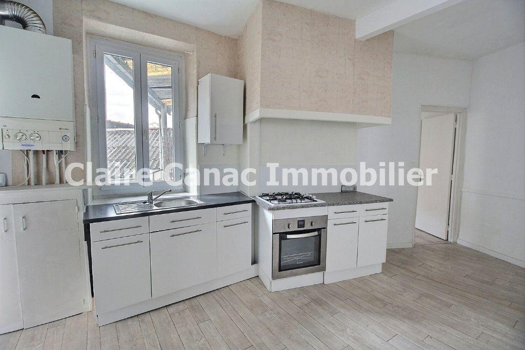 Appartement à louer 3 56.29m2 à Castres vignette-1