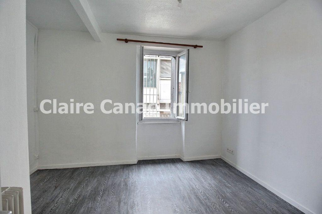 Appartement à louer 3 56.29m2 à Castres vignette-2