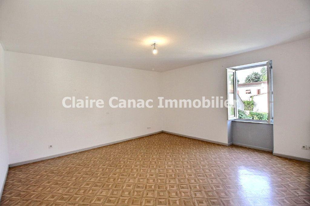 Maison à louer 4 106.63m2 à Lagarrigue vignette-6