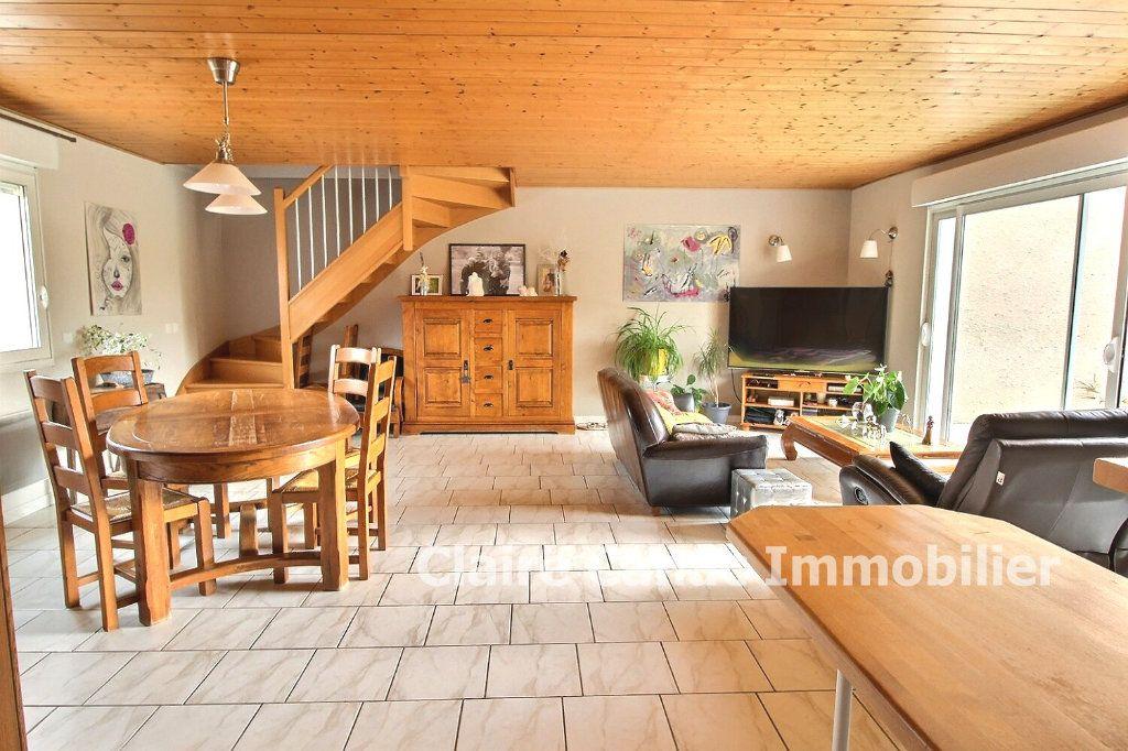 Maison à vendre 5 117m2 à Damiatte vignette-1
