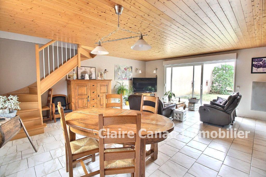 Maison à vendre 5 117m2 à Damiatte vignette-9