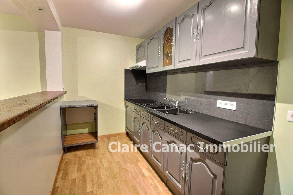 Appartement à louer 3 50m2 à Graulhet vignette-1