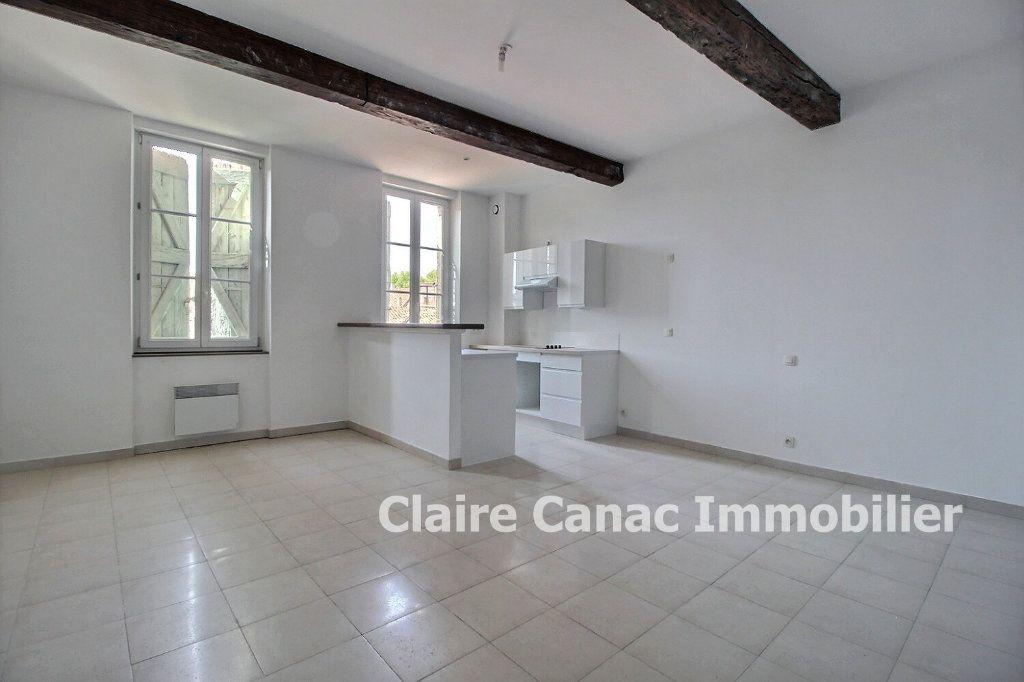 Appartement à louer 1 40m2 à Lavaur vignette-1