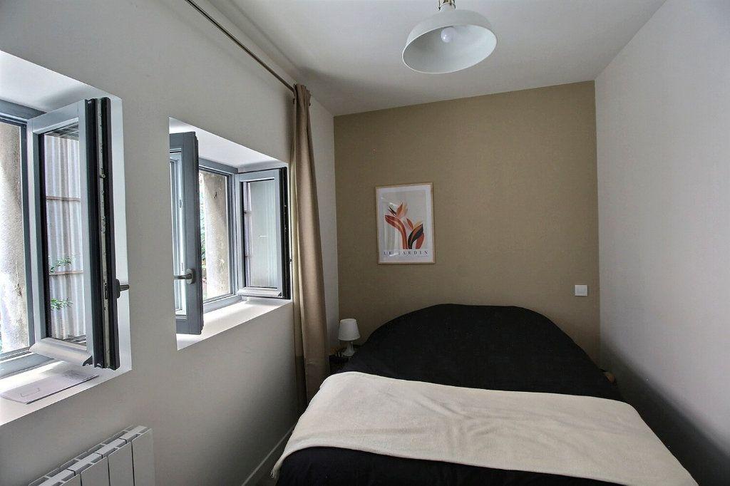 Appartement à louer 2 28m2 à Castres vignette-5